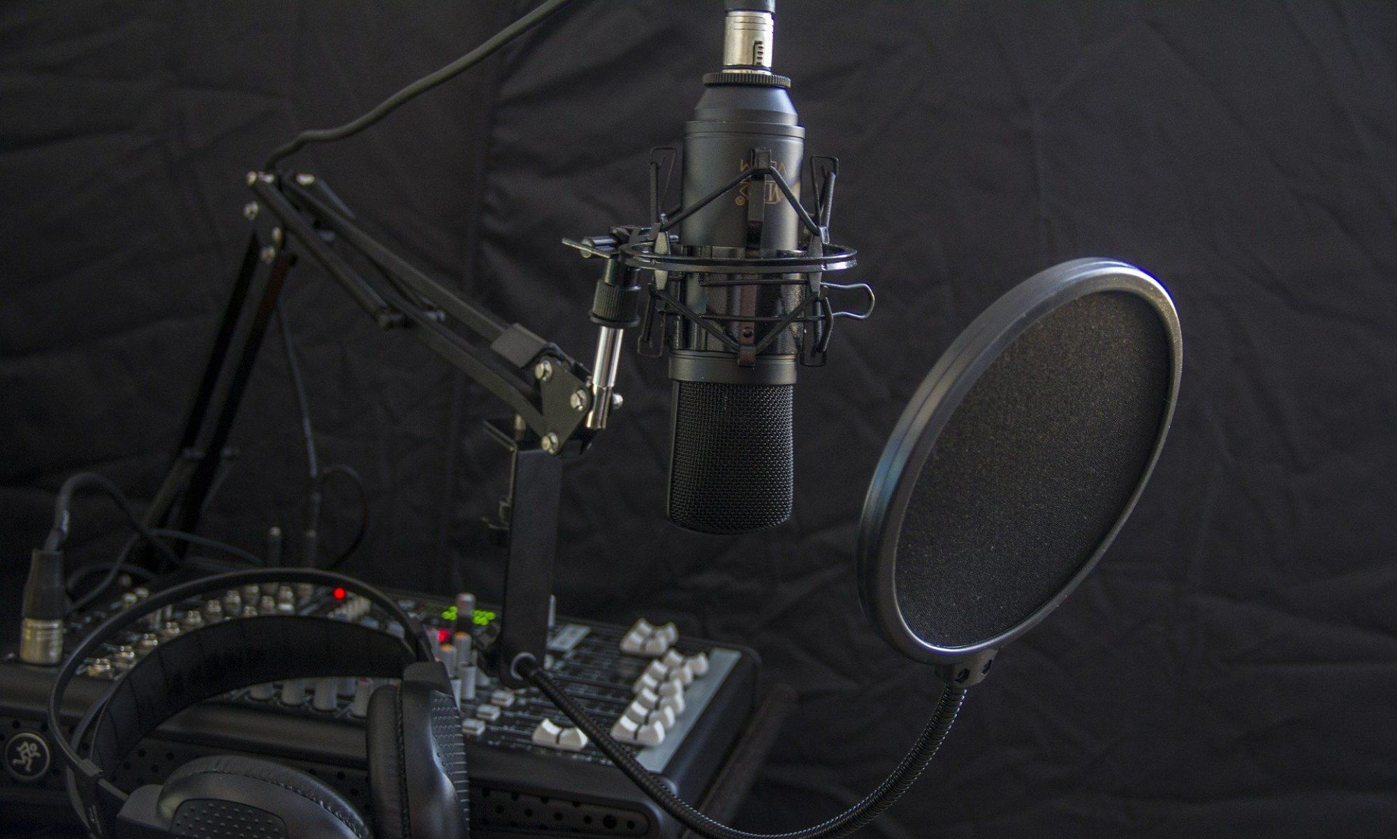 Radio Akhbar Mufriha – en 4 langues!